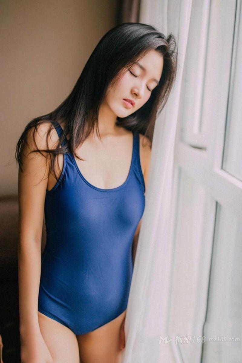 纯美少女私房高叉裤甜美迷人写真