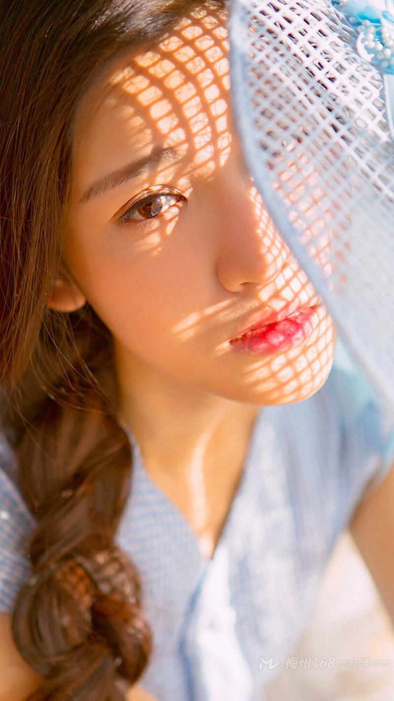 清纯无害氧气萌妹子气质甜美写真