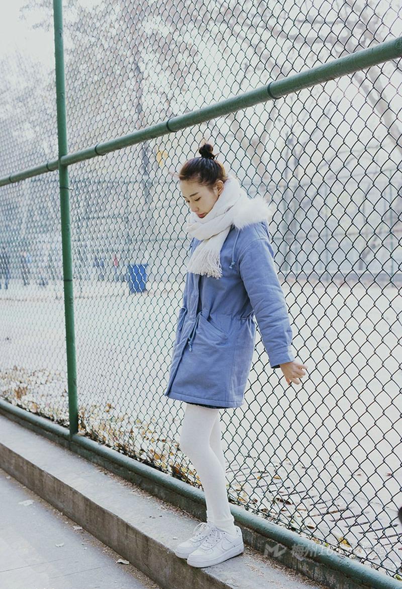 冬日气质女神皮肤白皙唯美动人
